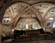 Assisi - Interno della Basilica